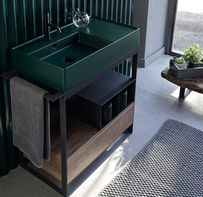 Mobile bagno con Ripiani in metallo e cassetto in legno della collezione Solid di Scarabeo